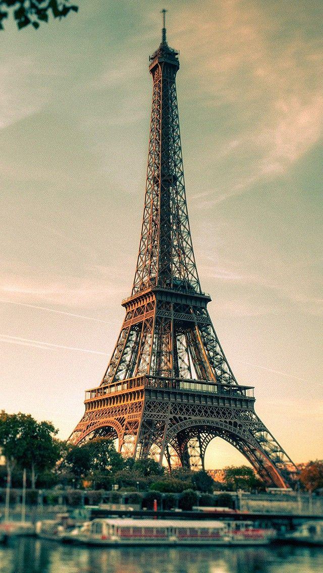 Paris Eiffel Tower Retro 2018 iOS 11 iPhone X Wallpaper