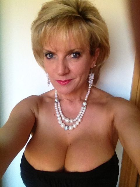 Mature and older women-1181