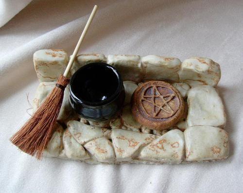 Altars:  Mini Wiccan Altar.