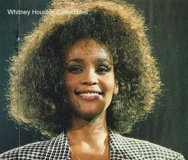 Whitney Houston 80s Whitney houston, Whitney houston