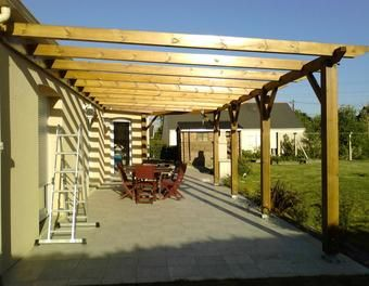construction d 39 une pergola en bois bois brande de bruy re landscape design pinterest. Black Bedroom Furniture Sets. Home Design Ideas