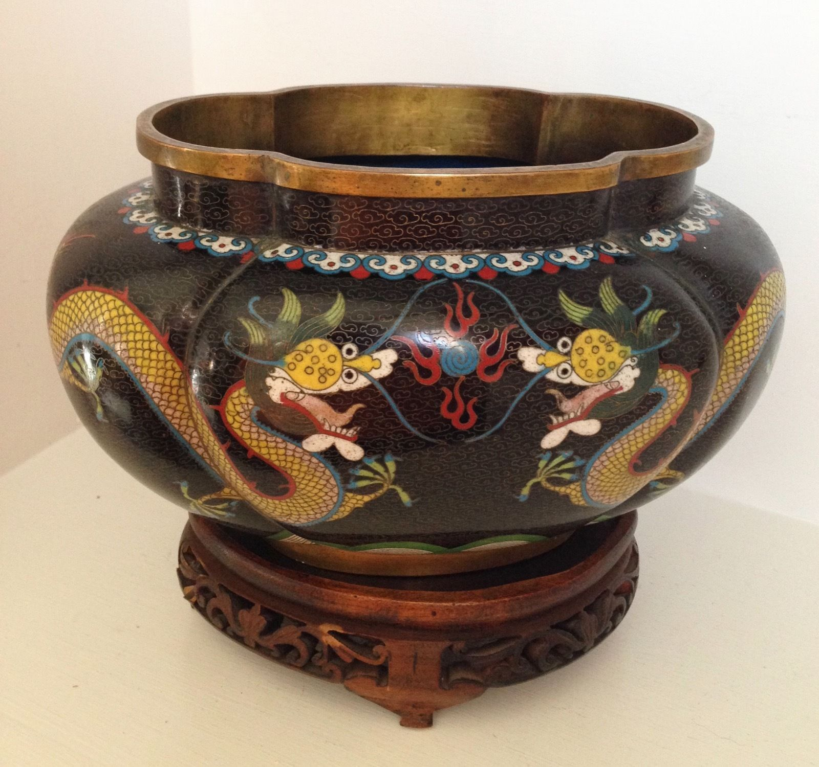 Antique 10 chinese cloisonne lobed oval jardiniere planter antique 10 chinese cloisonne lobed oval jardiniere planter dragons fine stand ebay reviewsmspy