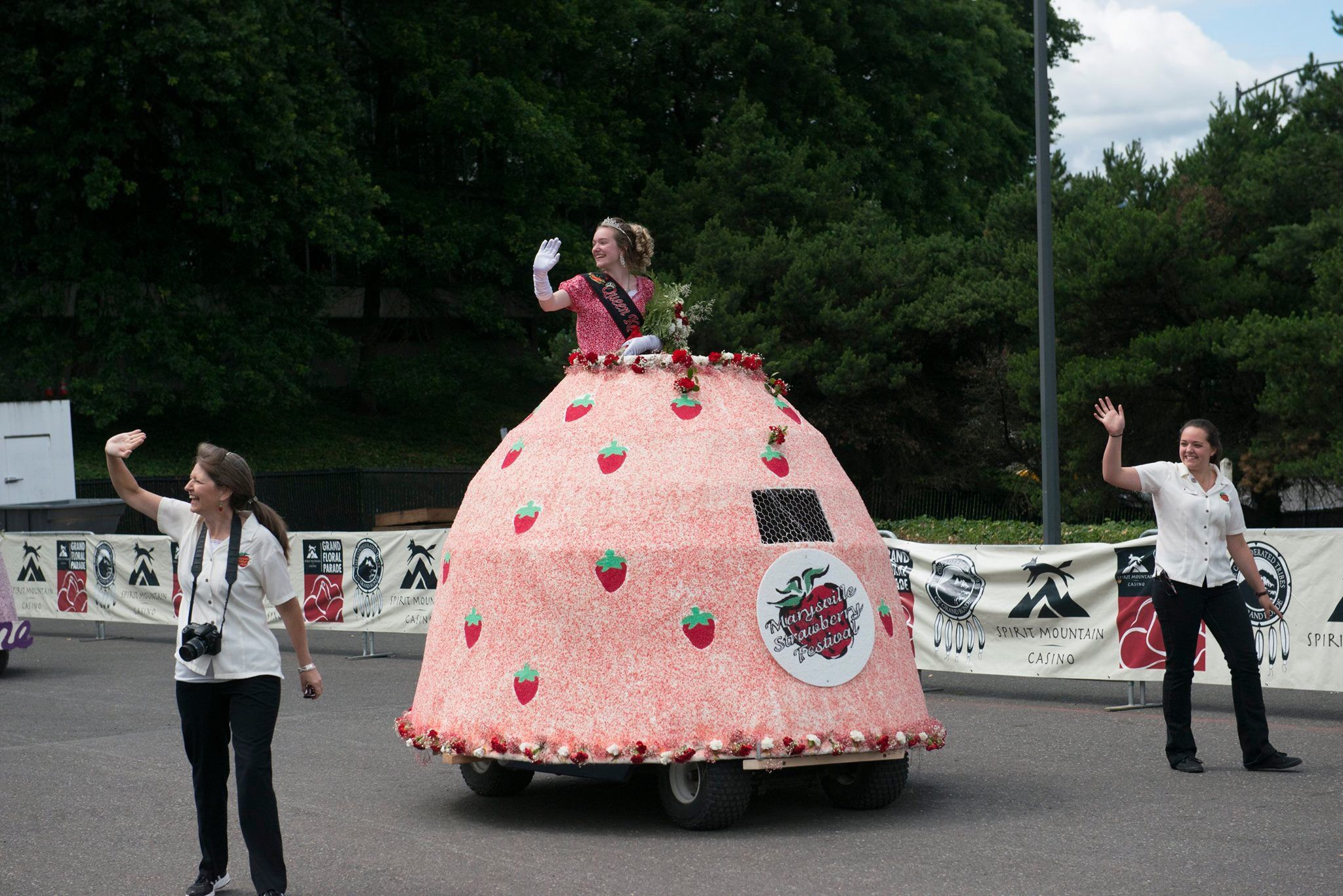 Marysville Strawberry Festival Mini Float Designed By Carla Stenberg For