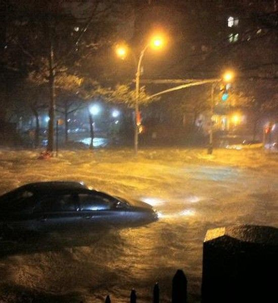 Photos: Twitter Captures the Megastorm - SKYE on AOL  How is this Manhattan??  HOW???