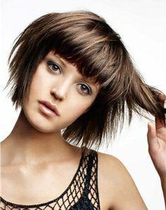 coiffure cheveux courts avec une frange !!! Coupe