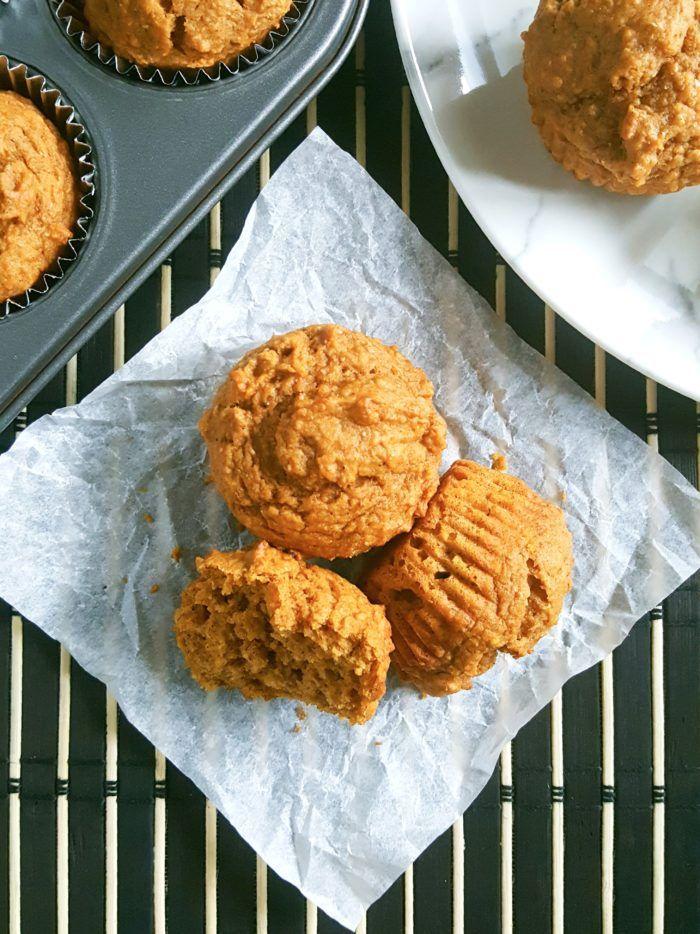 Healthy Greek Yogurt Pumpkin Muffins #pumpkinmuffins