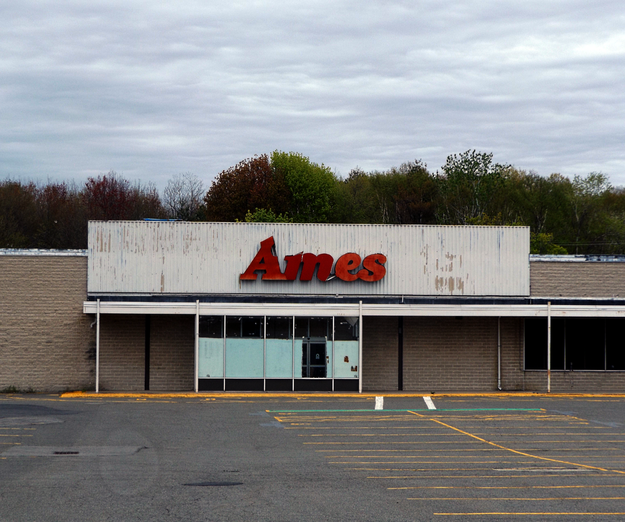 Abandoned Ames department store Seabrook NH. [2032x1700] [OC] | Abandoned,  Department store, Seabrook