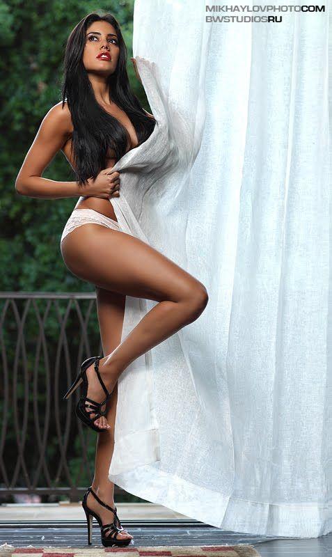 Nude laura soares Alana Soares