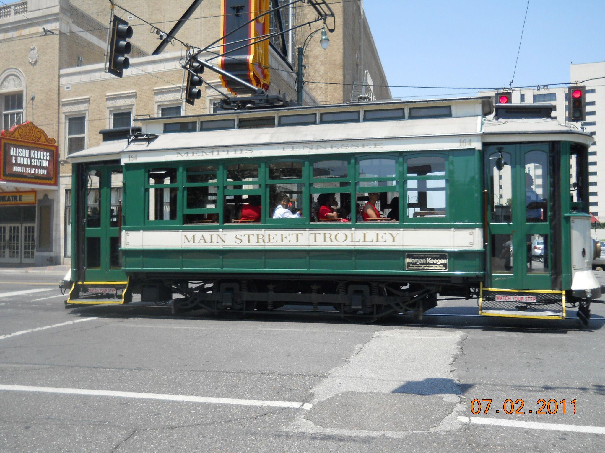 Trolley Car: Trolley Cars In Memphis, TN 2011