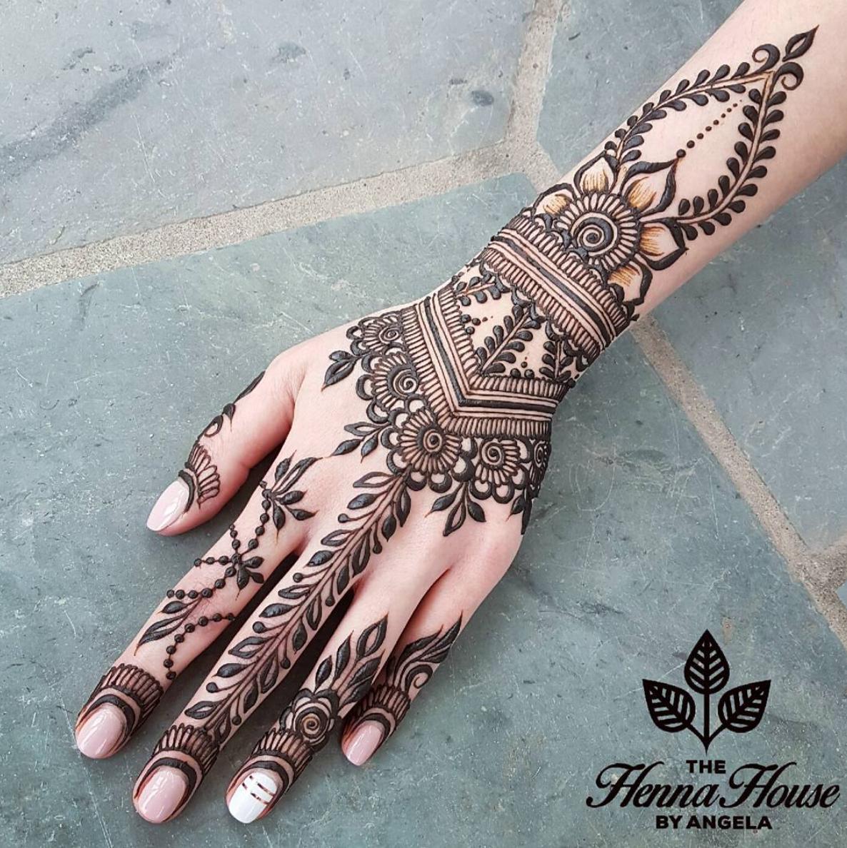 Whitehenna In 2020 Henna Tatowierung Designs Henna Tattoo Designs Henna Tattoo Vorlagen
