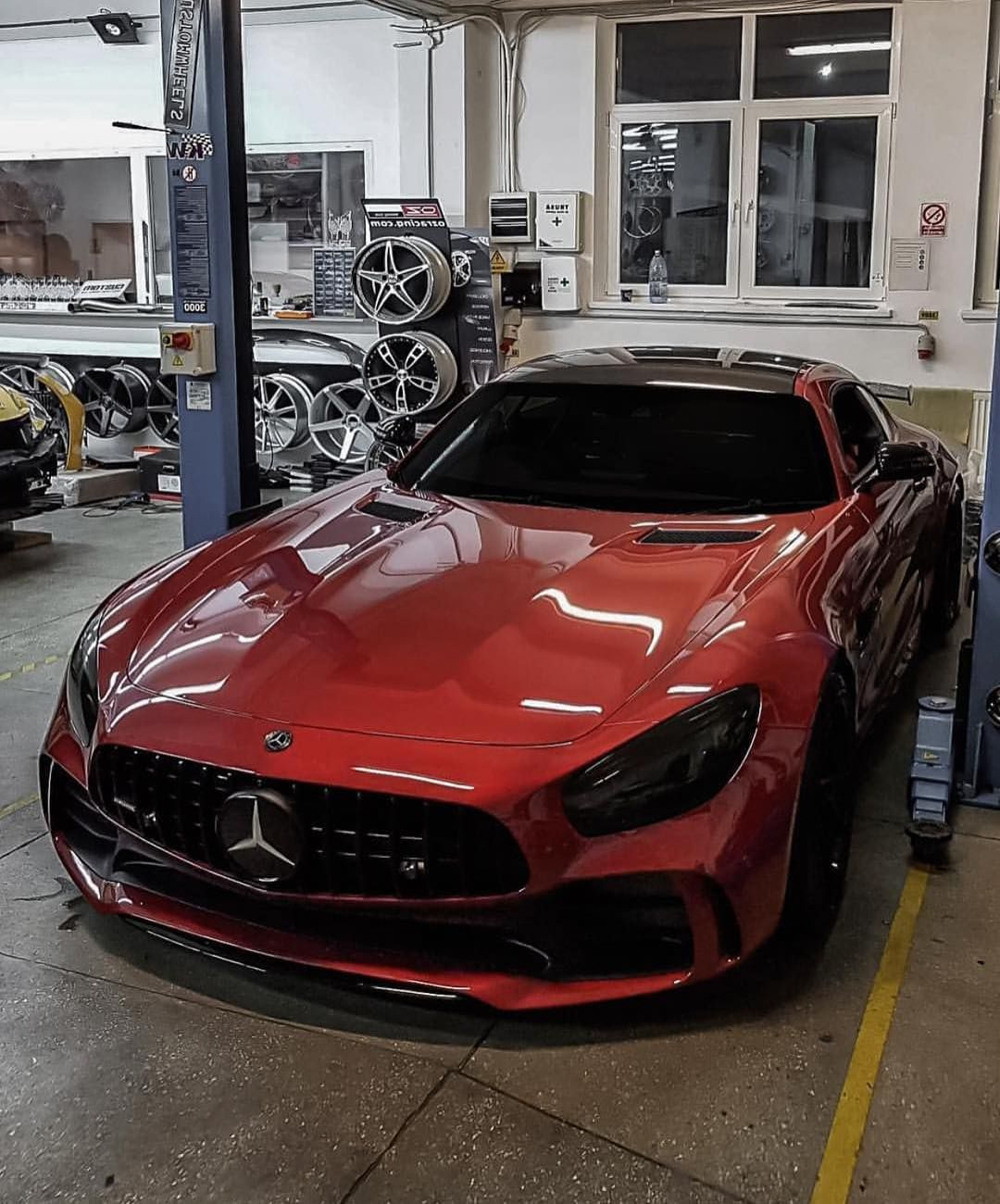 ///AMG GT R! 😈 📷: @zedsly #mercedes #benz #coupe