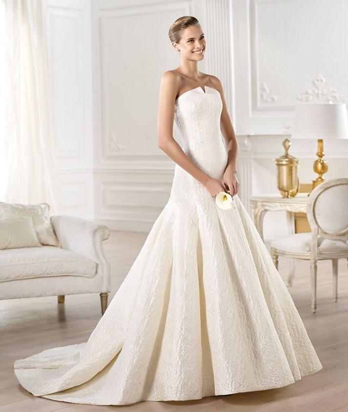 20 Favorite Wedding Gowns from Atelier Pronovias 2014 | OneWed ...