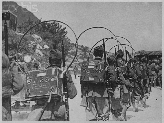 Unit Ham Radio-telegraph Army A Radio Military Maneuvres Of Radios The With On Army Marches Portable Ww2 Stuff- Italian