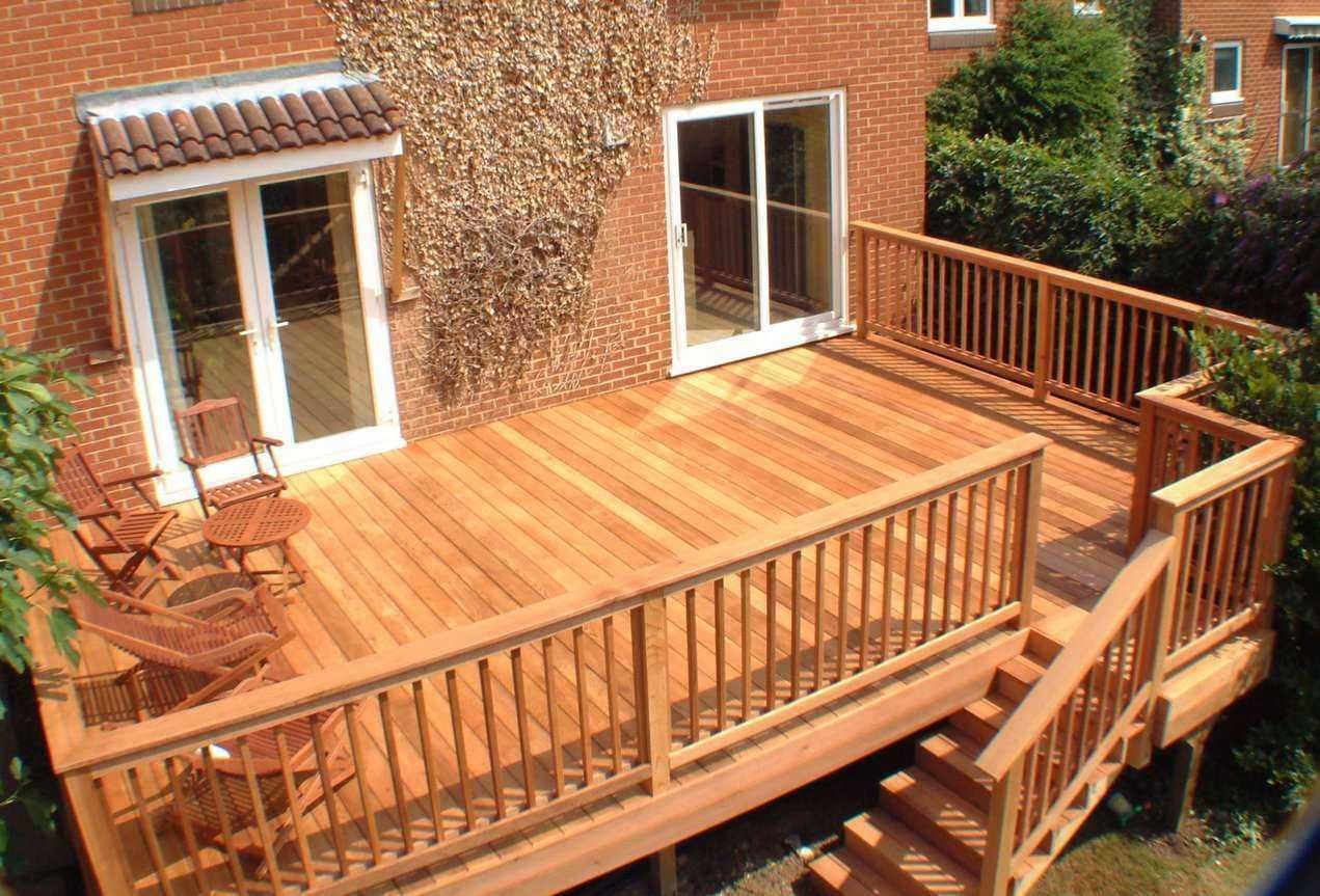 Red cedar decking clear grade designed with composite for Composite deck railing