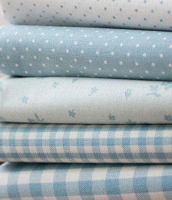 Pastel Spots 100/% Cotton Fabric 5 piece Fat Quarter Bundle Yellow Blue Pink