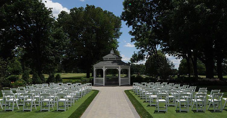 Wedding Venues In Brooklyn Dyker Beach Golf Course Golf Course Wedding Beach Golf Golf Courses