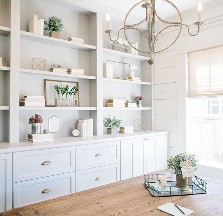 Shelf styling | Open dining room