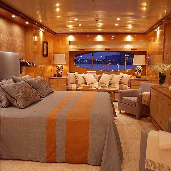 pingl par magasins deco sur meilleurs d corateurs pinterest bateaux bateaux de luxe et. Black Bedroom Furniture Sets. Home Design Ideas