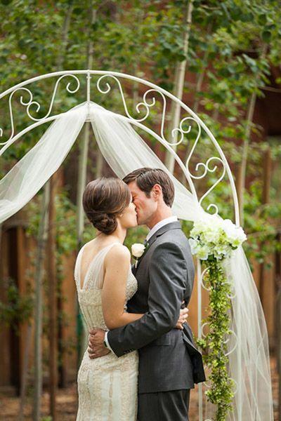 Real Weddings Julia And Tony S Lake Tahoe Nuptials Intimate Small Wedding Blog Diy Ideas For