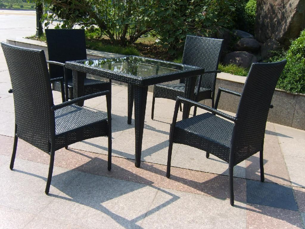 Alluring Patio Table And Chairs Based On Functions To Use Alluring
