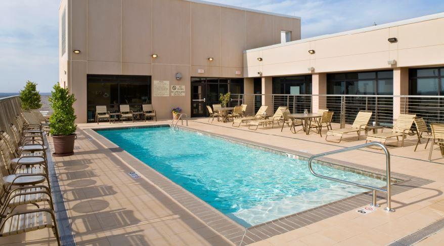 Rooftop Pool At The Hilton Shreveport Louisiana Hotel Last