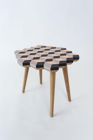 Dip Stool by Merve Kahraman Mobilier, Mobilier en bois et Chaises