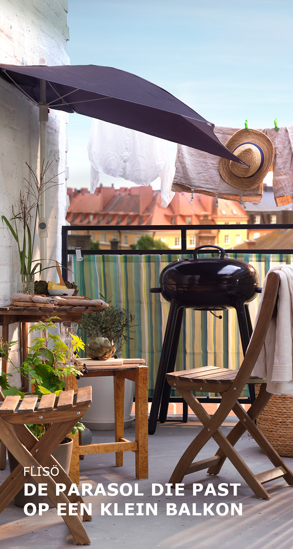 FLIS– de parasol past op een klein balkon