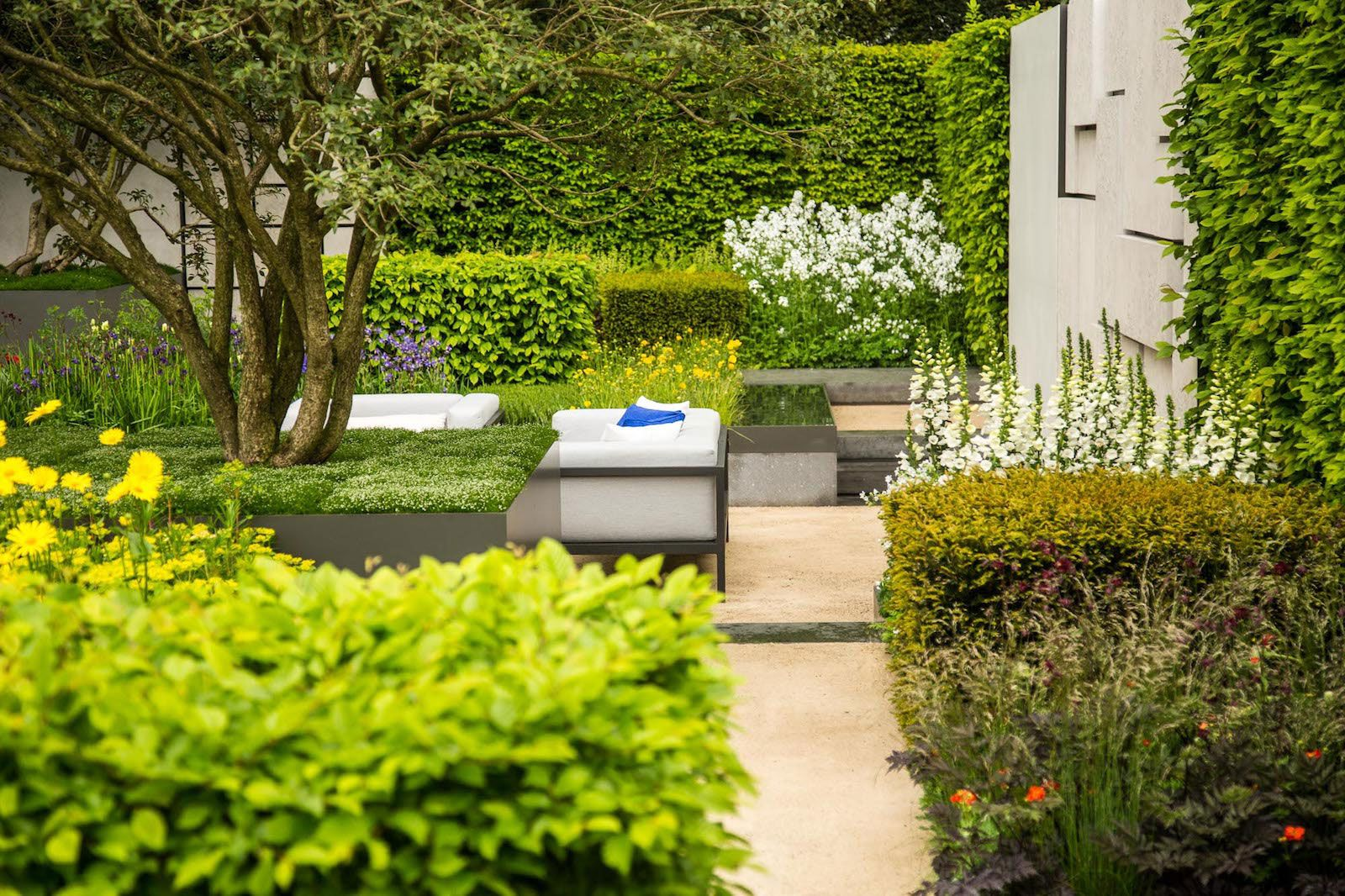 Garden Design Courses From The Oxford College Of Garden Design Outdoor Gardens Design Garden Design Easy Landscaping