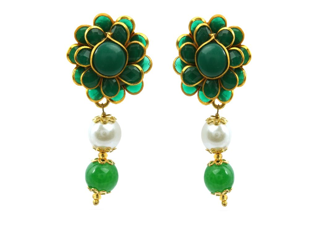 #WaamaJewels #Earring available in silver and golden plating , Oxidised, American Diamond, Pearl, Cubic Zirconia Stones. All Fashion jewellery buy at affordable Price , here New, Popular, and All stylish and Designer Jewellery .......