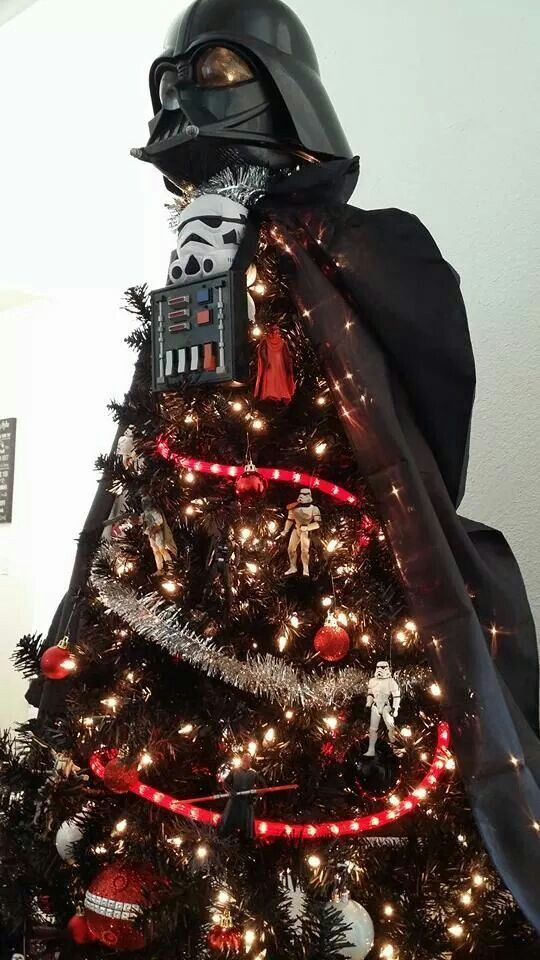 Arbol De Navidad De Darth Vader La Fuerza Te Acompanara En El Estreno De Rogueon Star Wars Christmas Tree Star Wars Christmas Decorations Star Wars Christmas