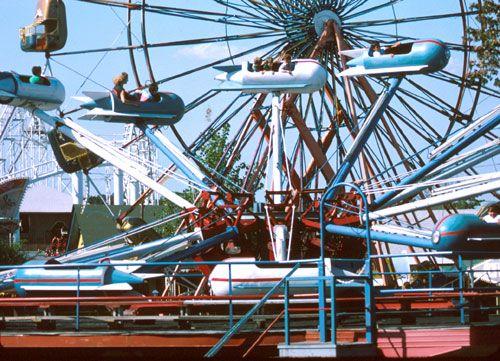 Pin By Tim Bauer On Amusement Park Amusement Park Rides