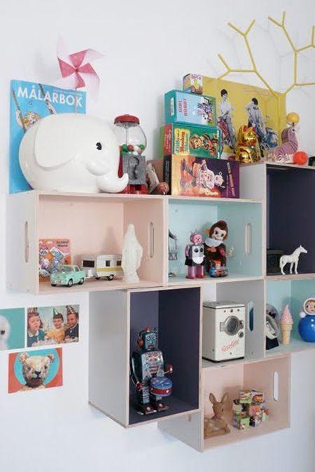 How to Build a House Bed for a Kid\u0027s Room Kisten, Ikea und Renovieren - dekorative regale inneneinrichtung