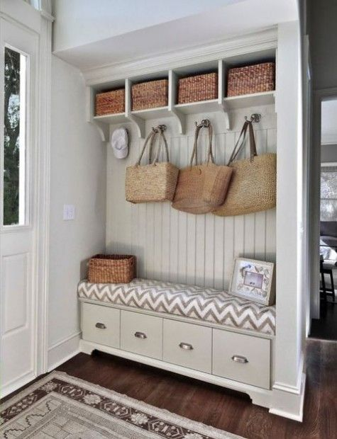 ComfyDwelling.com » Blog Archive » 40 Small Mudroom And Entryway ...