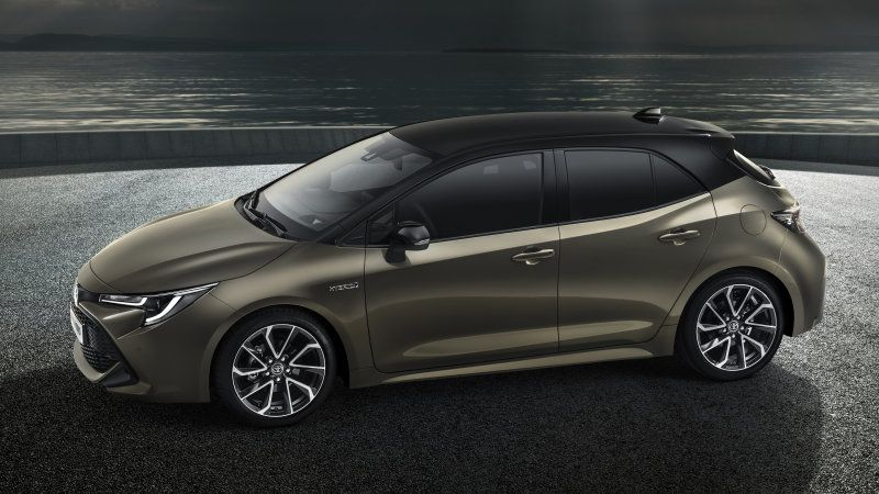 Toyota Auris Hatchback Redesigned Will Have More Hybrid Engine