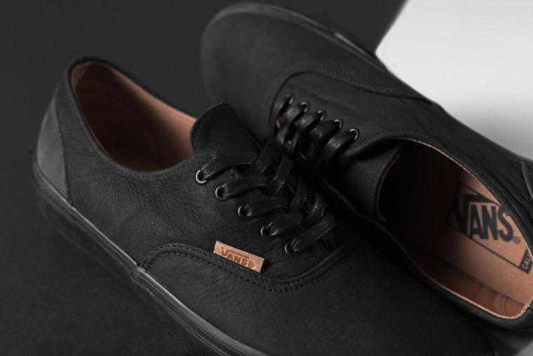 e0375700b8 Vans CA Mono Leather Era Decon  Black Rubber