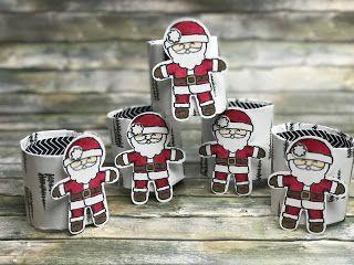 FROHE WEIHNACHTEN!  Meine lieben Freundinnen und Freude - ich wünsche Euch und Euren Lieben von Herzen alles Liebe und Gute zu Weihnachten viele Geschenke viel Spaß viel Essen und keinen Kater morgen :-) Und weil es so schön passt ... hier noch ein Teil meiner Weihnachtsdeko: Serviettenringe:      Die Ringe habe ich einfach aus einer alte Küchenpapierrolle abgeschnitten und dann einfach mit DSP beklebt. Und die Weihnachtsmänner habt ihr schon erkannt - das war definitiv das Produkt mit dem…