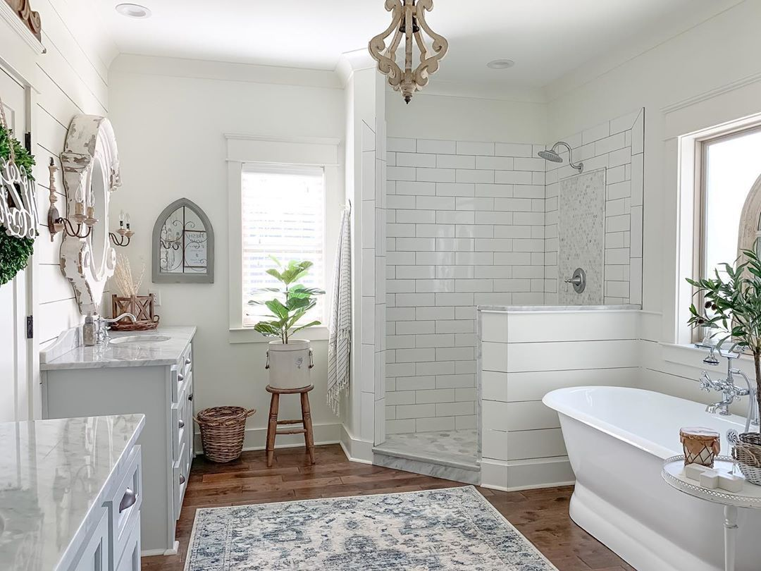 Amy On Instagram After Rain Rain And More Rain It S So Nice To Wake Up To Some Sunshine When Designing This B In 2020 Big Bathrooms Bathroom Design House Plans