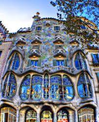 Resultado de imagen para arquitecturas de gaudi en barcelona