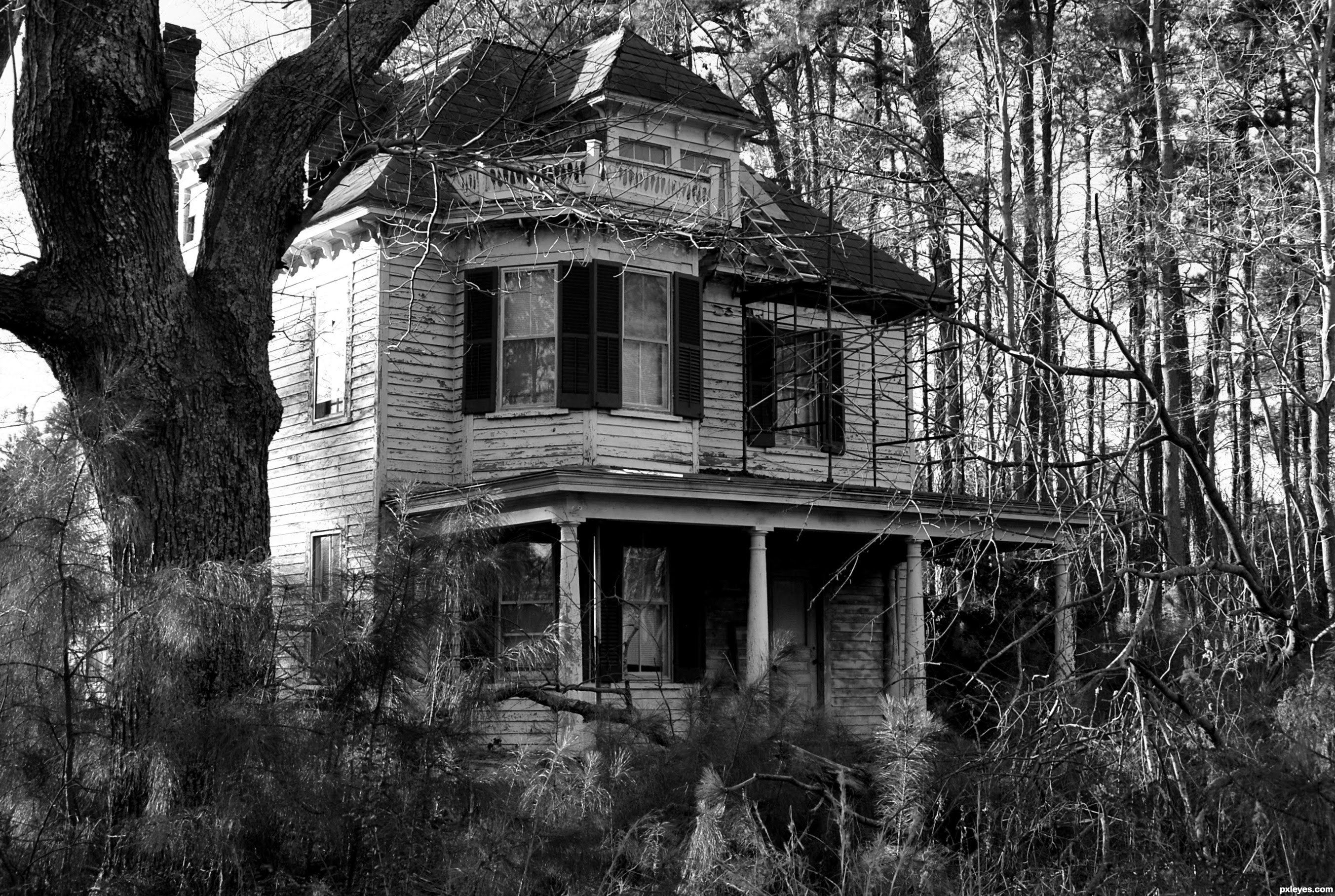 ABANDONED HAUNTED HOUSE IN THE WOODS ALONE AT NIGHT