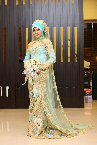 beautiful moroccan brides Malay Style Blue and Gold Bridal Dress