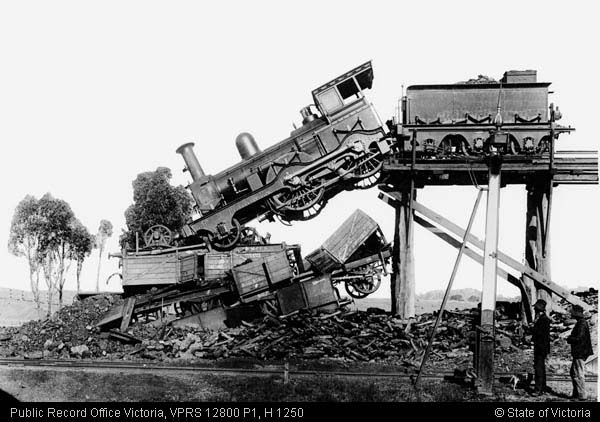 DERAILMENT OF B CLASS STEAM LOCOMOTIVE No 110 ON SEYMOUR COAL STAGE
