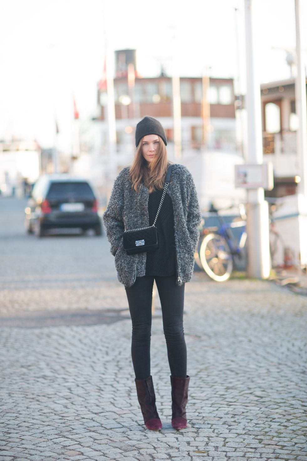 grey jacket, shoulder bag, beanie...perfect wintery outfit <3