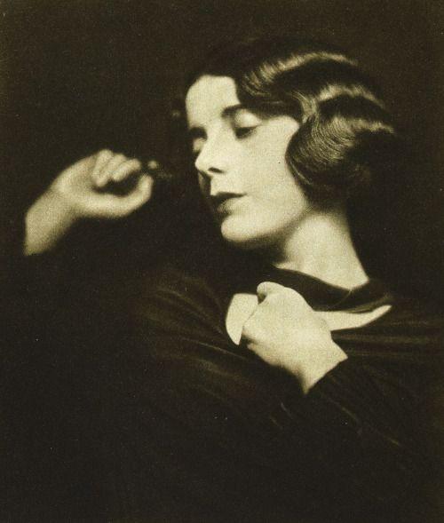 Alma Rubens, 1925 (byHarry Waxman)