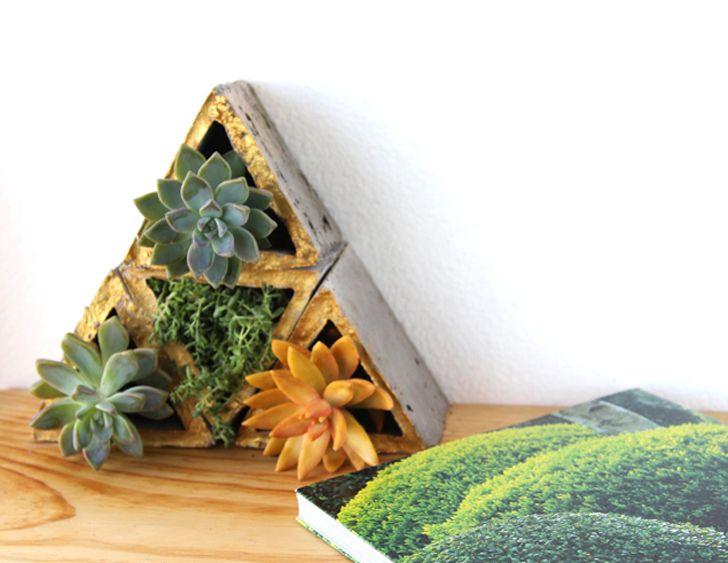Diy Modular Concrete Planters Let You Create Living Walls In Your Space Concrete Planters Living Wall Planter Concrete Diy