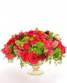 Martha And Aaron Caramanis Make A Beautiful Valentines Day Flower Arrangement Weddingtableflowerarrangementshowtomake