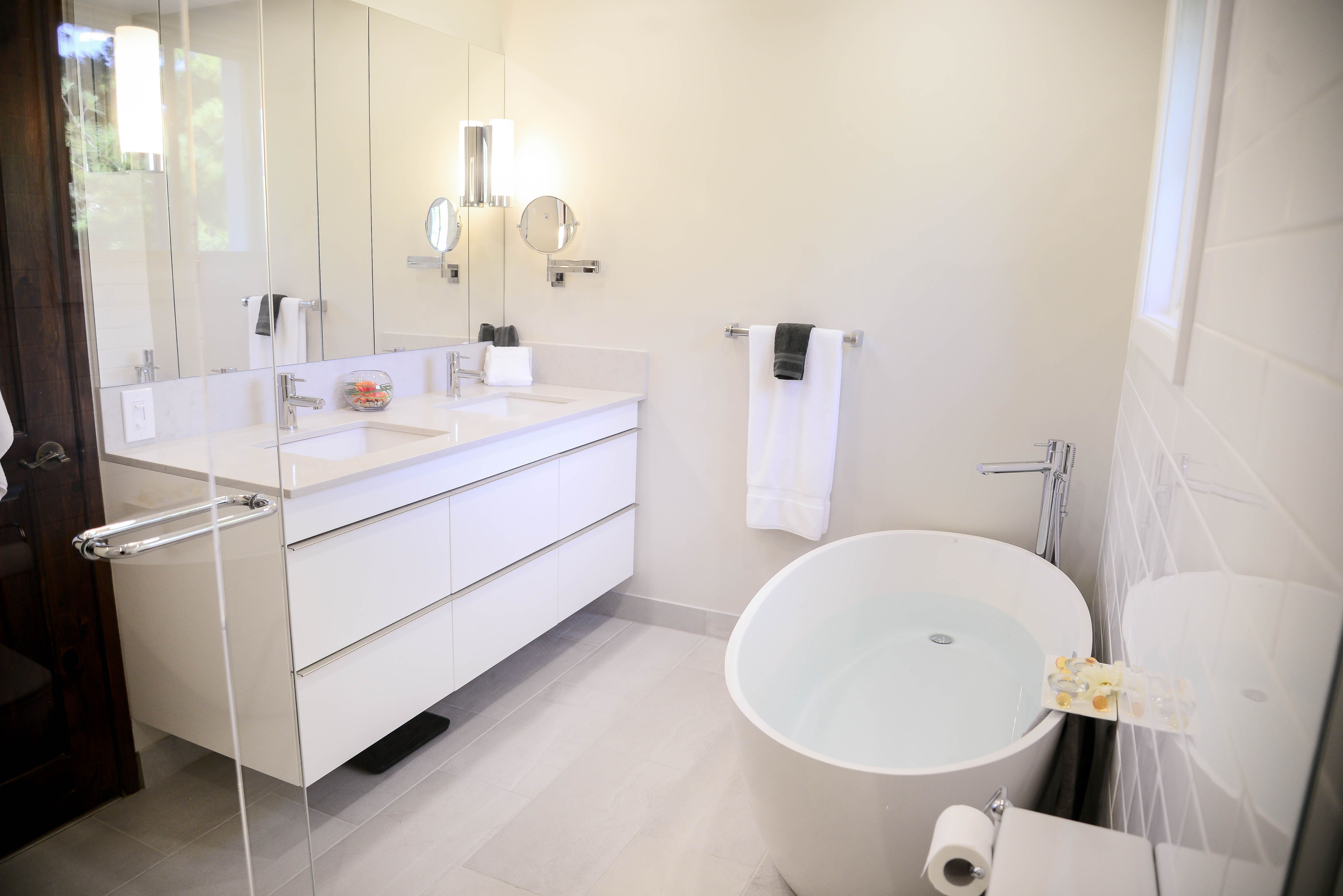 Salle de bain - Bathroom Groupe SP Réno Urbaine  Rénovation