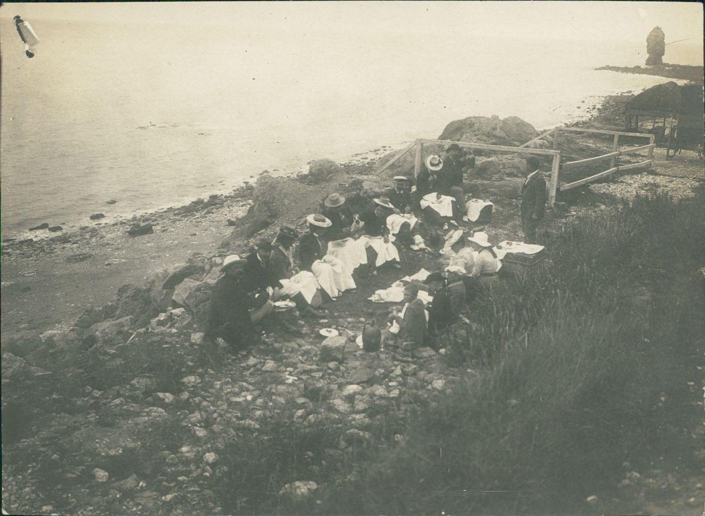 Longues sur mer , déjeuner , ca 1900