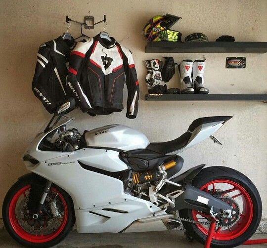 Ducati 899 Panigale - I want this in my garage. #motorcycle #supersport