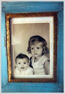 mijn zus (rechts) en ik
