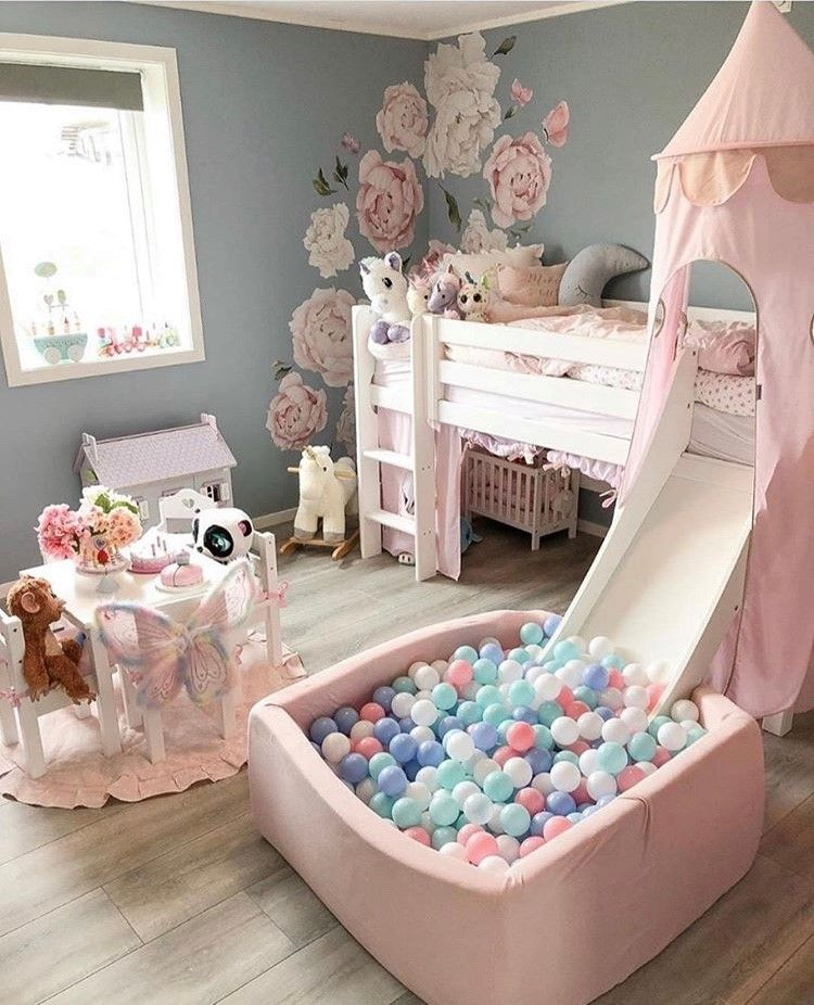 Beautiful & cute baby girl's room idea.